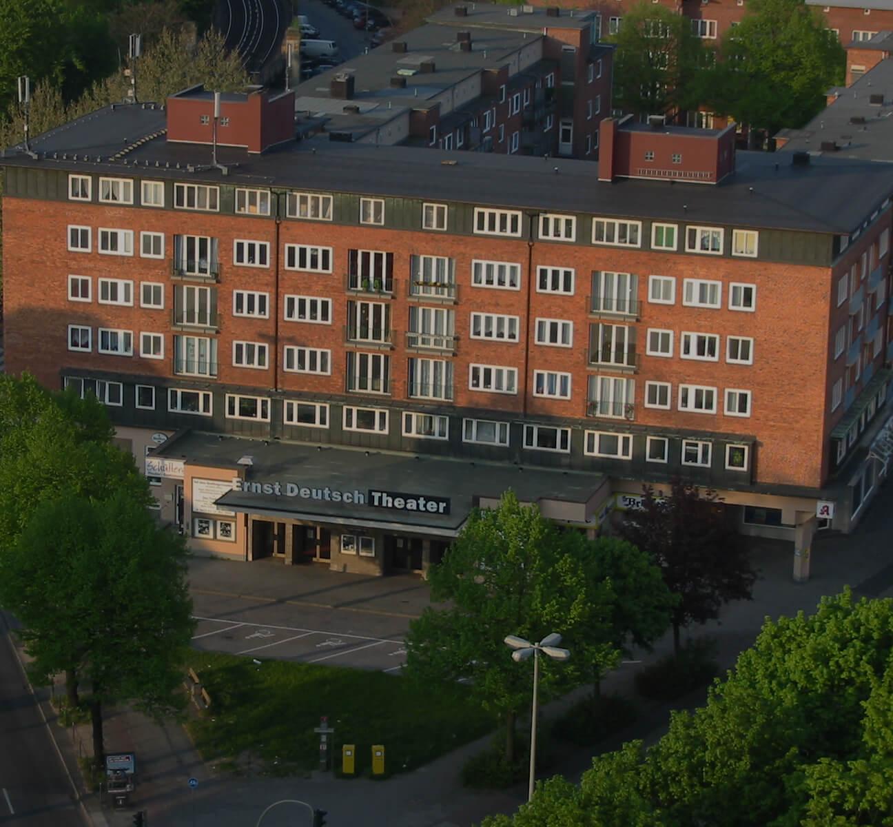 ASmallA 3 ErnstDeutschTheatre01.SW.20040501