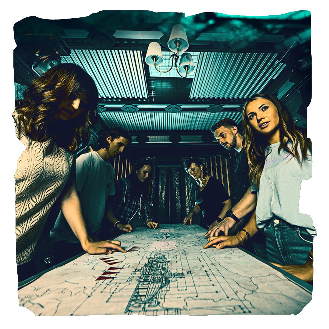 Gruppe versucht Escape Room zu lösen